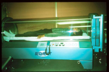 I always pictured a hyperbaric chamber as some sort of deep sea exploration submarine with different pressures and all ha. & Hyperbaric Chamber - IGGLEPHANS